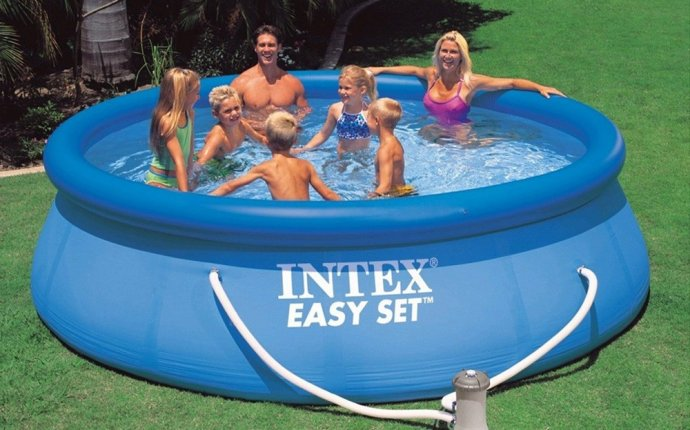 Intex 12ft x 30 Easy Set Round Swimming Pool with Pump Filter
