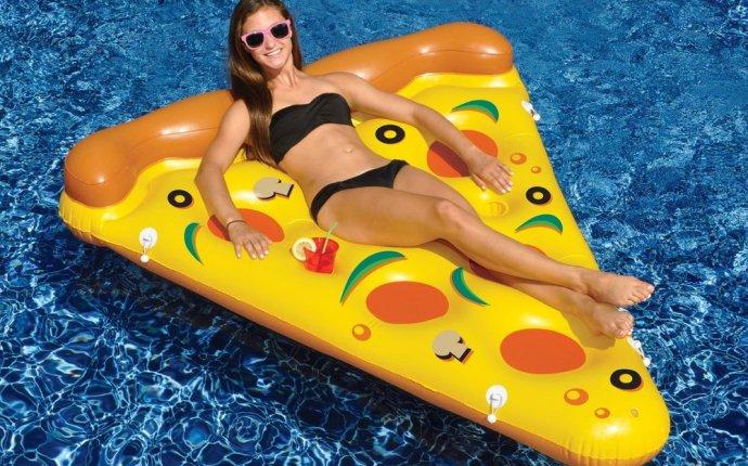 NEW Swimline 90645 Swimming Pool Inflatable Pizza Slice Float Raft