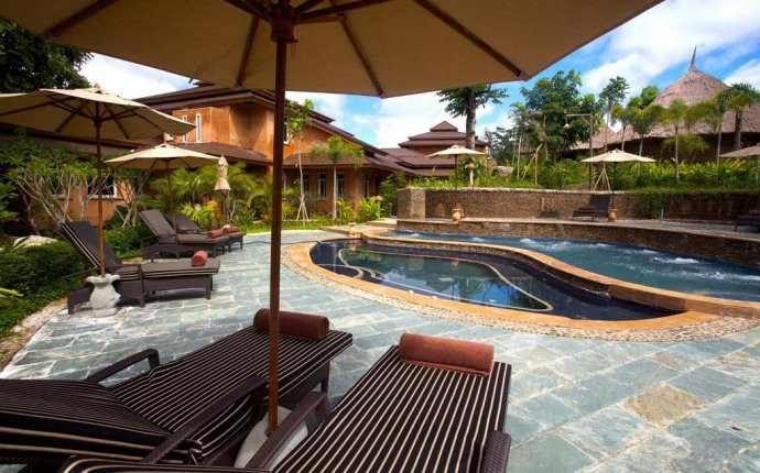 Pool patio furniture