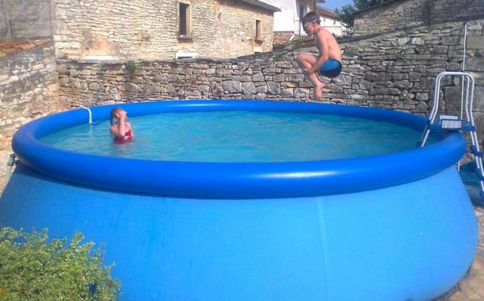 Small swimming pool ideas for small backyard | Home Interior